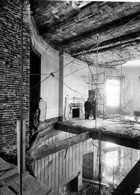 Photos of the White House Gutted During Its Truman Reconstruction jAYOfWt