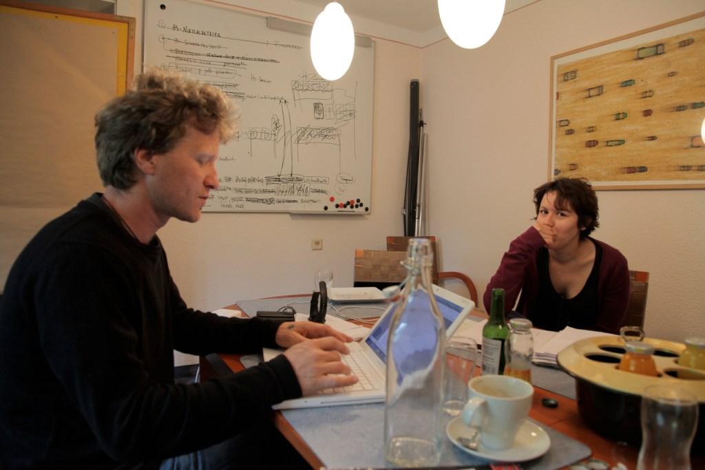Florian Sedmak und Sabine Stiefmaier gehörten für die Hörstadt und die von Peter Androsch geleitete Musikabteilung von Linz09 zu den führenden Köpfen (2010)</br>Foto: Leo Saftic