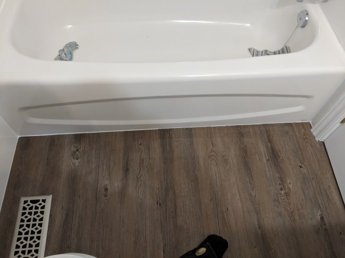 Small bathroom reno, new floor installed