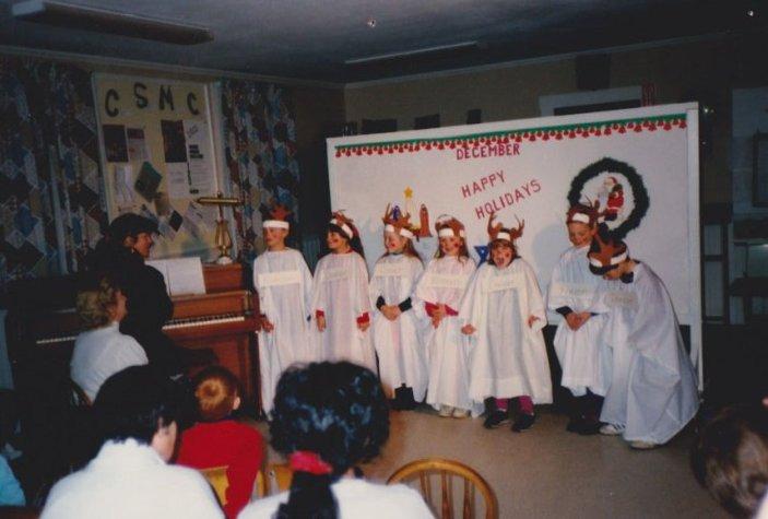 8912-umw-presentation-angel-choir-chris-chance-nate-luscombe-megan-laroche-lindsey-dreyer-ruth-conroy-courtney-dunning-adam-kane-wendy-dunning-violet-banks1o