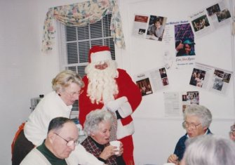 9411-holiday-stroll-santa1o