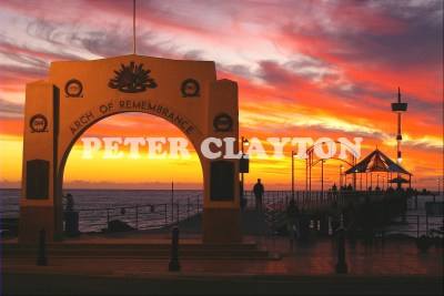 AUSTRALIA - BRIGHTON - ARCH OF REMEMBERANCE AT SUNSET(SA)  R4