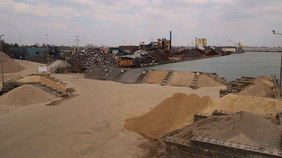 Afval-recycling in industriegebied Holtum-Noord