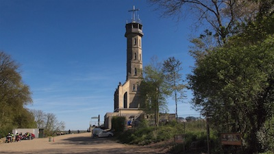 De Wilhelminatoren op de Heunsberg op 145 meter boven NAP