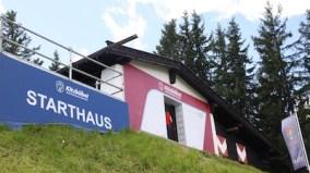 Het starthuisje voor de Hahnenkamm-Rennen