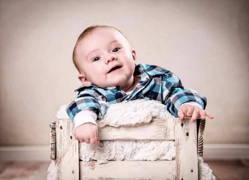 lustiges babyfotoshooting in speckswinkel