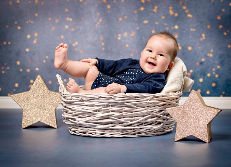 weihnachtliches babyfotos in unserem fotostudio