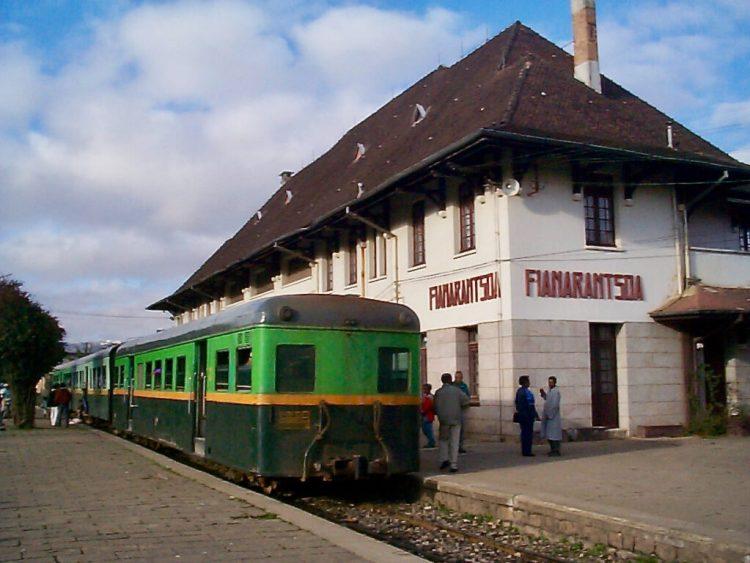 The train getting ready to leave Fianarantsoa