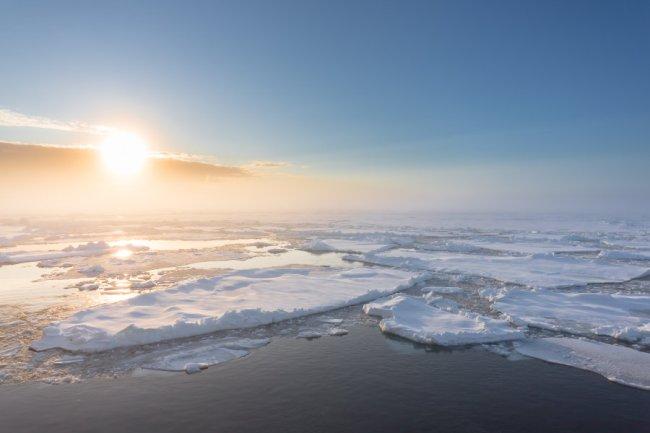 Arctic sea ice 2015 Stefan Hendricks 160421085209_1_900x600