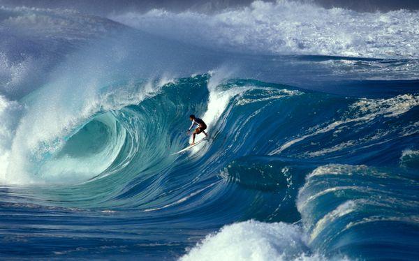 Sean Davey Aurora Photos surf-waves-adventure_22958_600x450