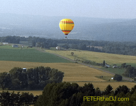 A surprise hot air balloon launch just down the hill from us... pretty neat!