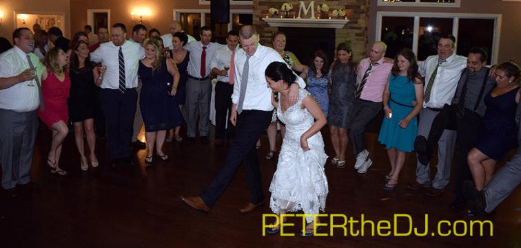 Guests pack the dance floor!
