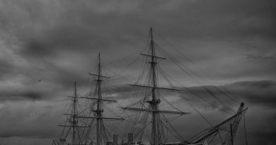 HMS Warrior 1860 Black & White