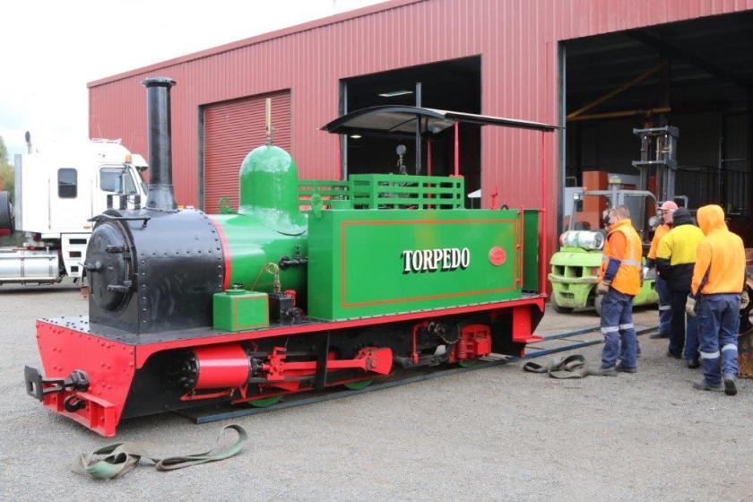 2016-3001: Hunslet locomotive awaiting loading.