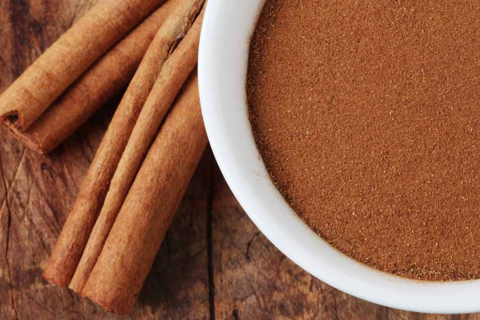 Picture of cinnamon stick and powder