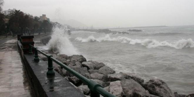 Allerta meteo, previsti per oggi sulla Calabria forti venti e temporali