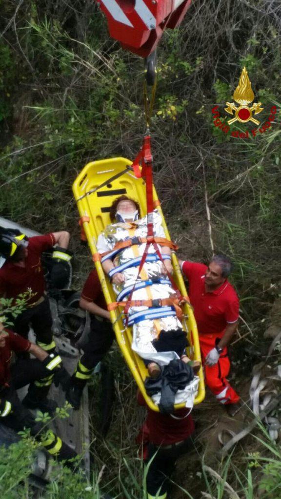 Incidente a Roccabernarda, intervengono i Vigili del fuoco