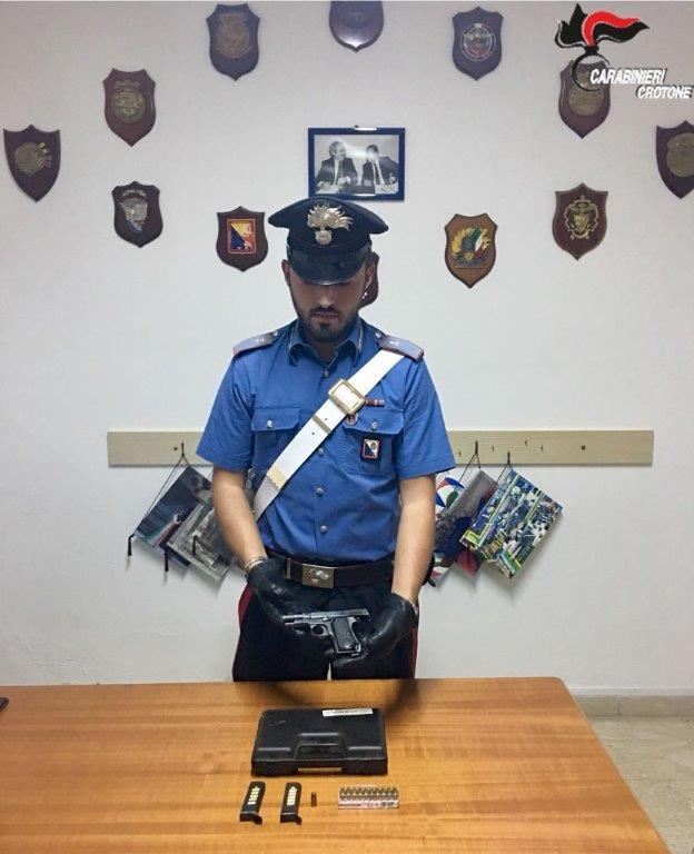 Arresto ad Isola per detenzione armi
