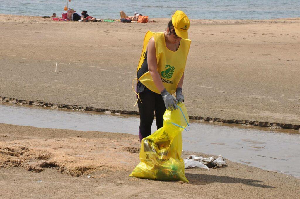 Diverse località di mare ripulite dai volontari di Legambiente