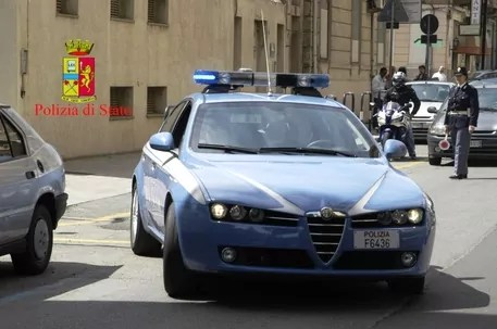 Arresti per favoreggiamento immigrazione clandestina, tra gli arrestati avvocati e poliziotti