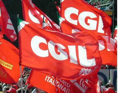 La Cgil condanna il vile atto alla sede del Pd Crotone