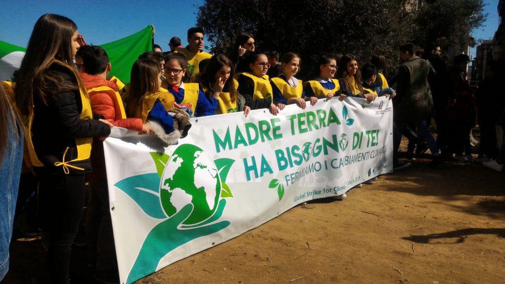 Studenti petilini alla manifestazione per i cambiamenti climatici
