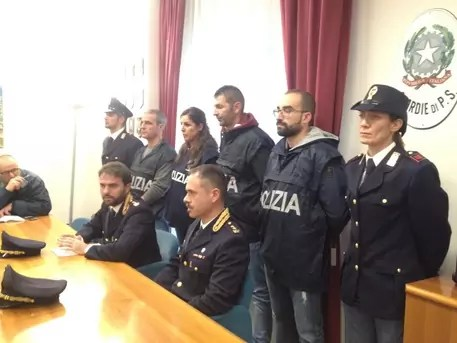 Sei arresti dalla Polizia di Crotone per il ferimento di un fruttivendolo