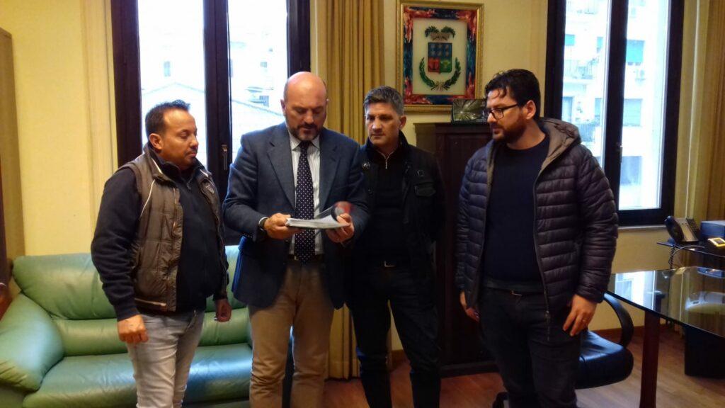 Problema strade: il comitato di Capo Rizzuto incontra il presidente della Provincia