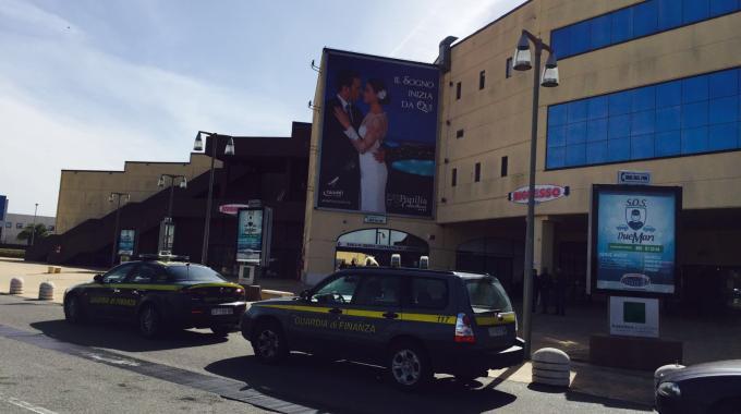 """Sequestrato il Centro Commerciale """" I due Mari"""" di Lamezia Terme"""