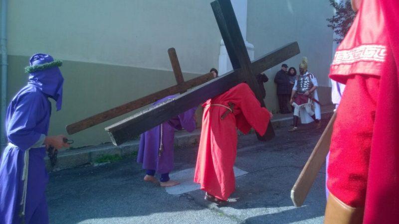 Dalla parrocchia di Foresta si eleva un canto per la Santa Spina, i devoti ringraziano don Pasquale