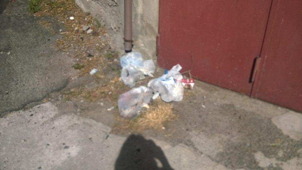 Gente incivile: continua l'abbandono della spazzatura