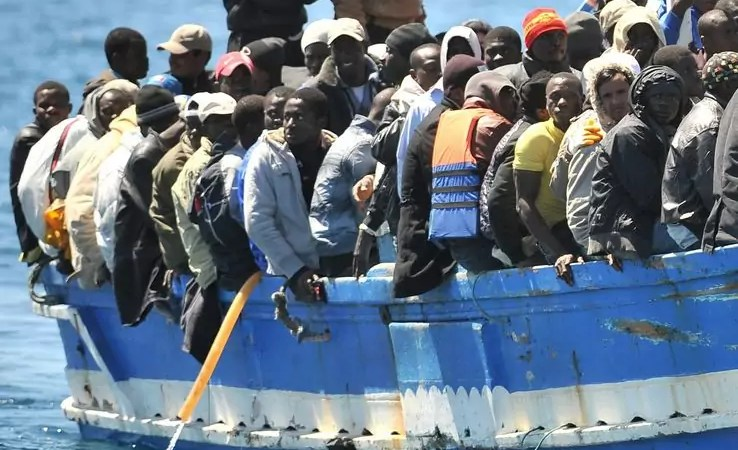 Oltre 1200 migranti sbarcheranno domani a Crotone