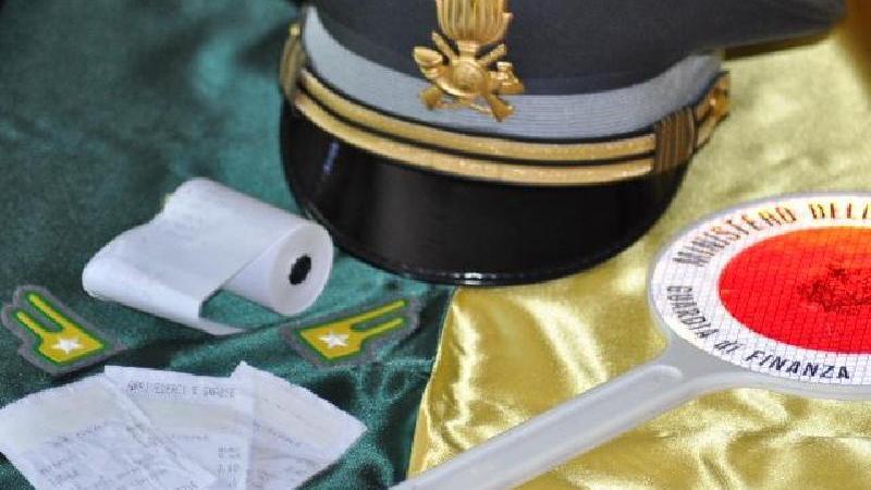 La Guardia di Finanza di Crotone scopre e denuncia un evasore fiscale totale