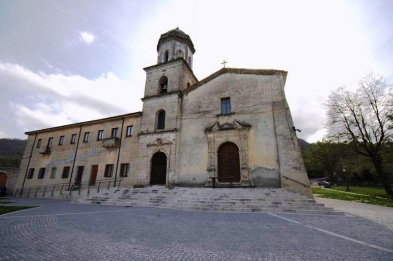 Sul Santuario della Santa Spina si espone Elisa Poerio