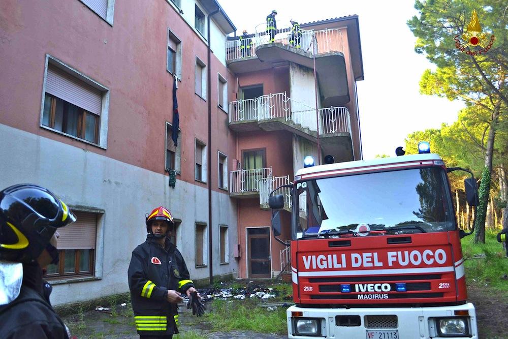 Incendiato bar ristorante a Crotone
