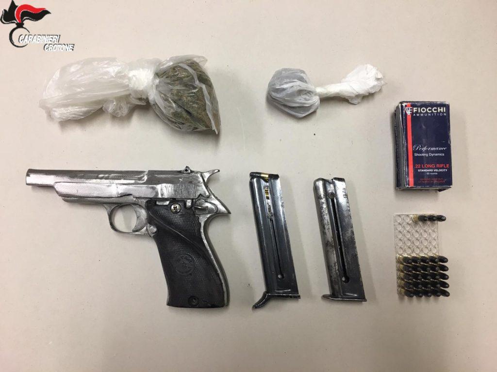 Arresto per detenzione abusiva di pistola clandestina