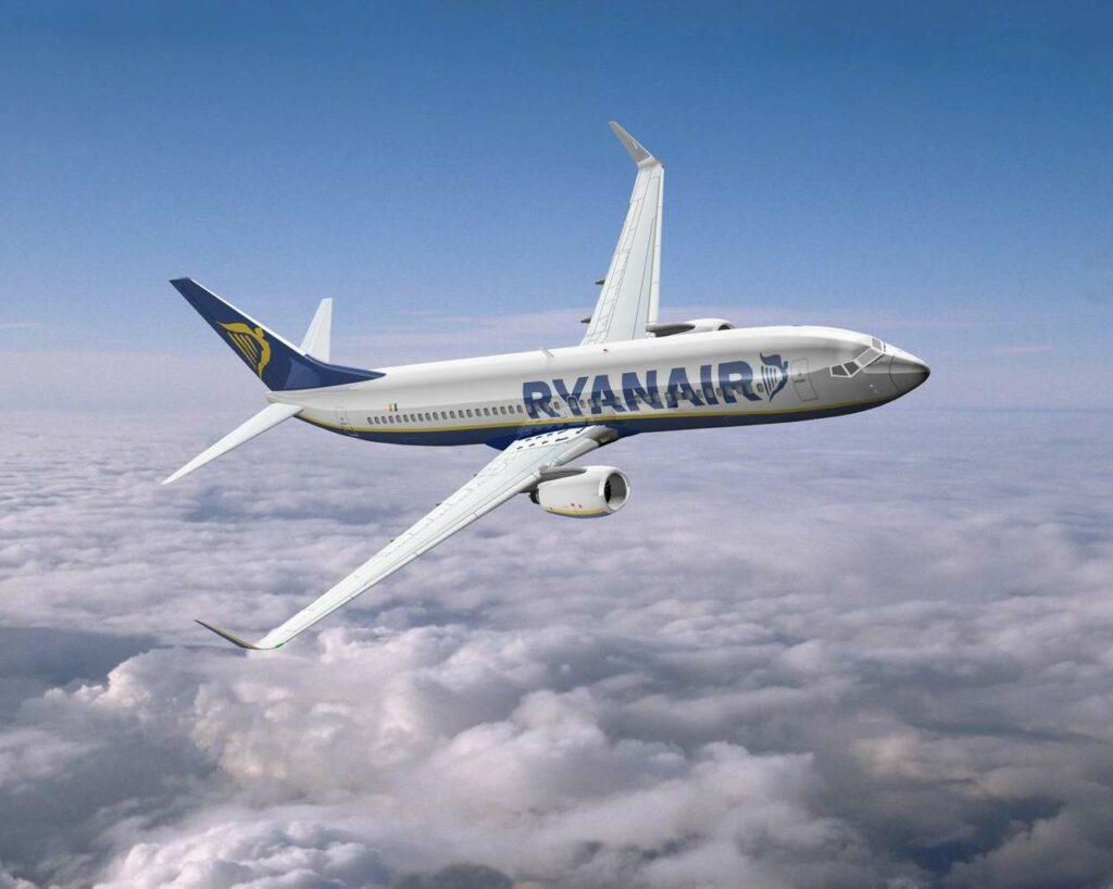 Ryanair, 30 cent. da Crotone a Pisa o Roma