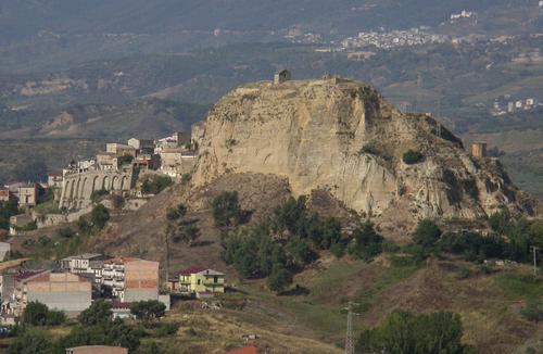Roccanova manifesta sostegno all'Amministrazione Bilotta