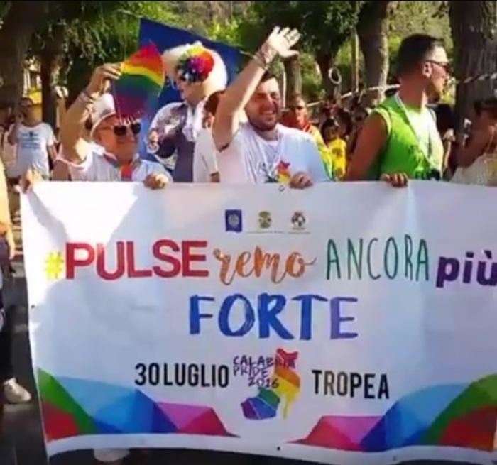 A Tropea sfila  il gay pride calabrese
