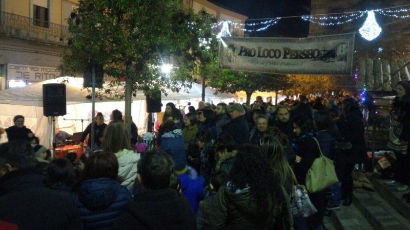 Bancarelle di Natale a Petilia, un altro anno in cui la Proloco anima la piazza