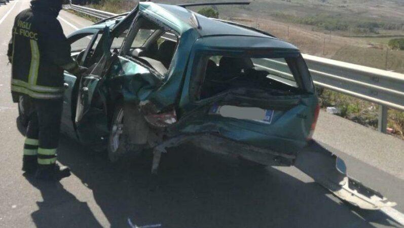 Incidente stradale sulla SS 106