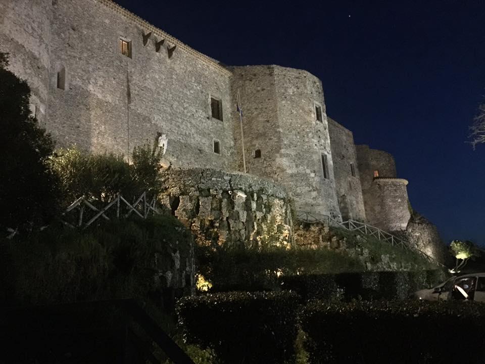 Calabria terra di capolavori: a Vibo presentazione del libro di Mario Vicino
