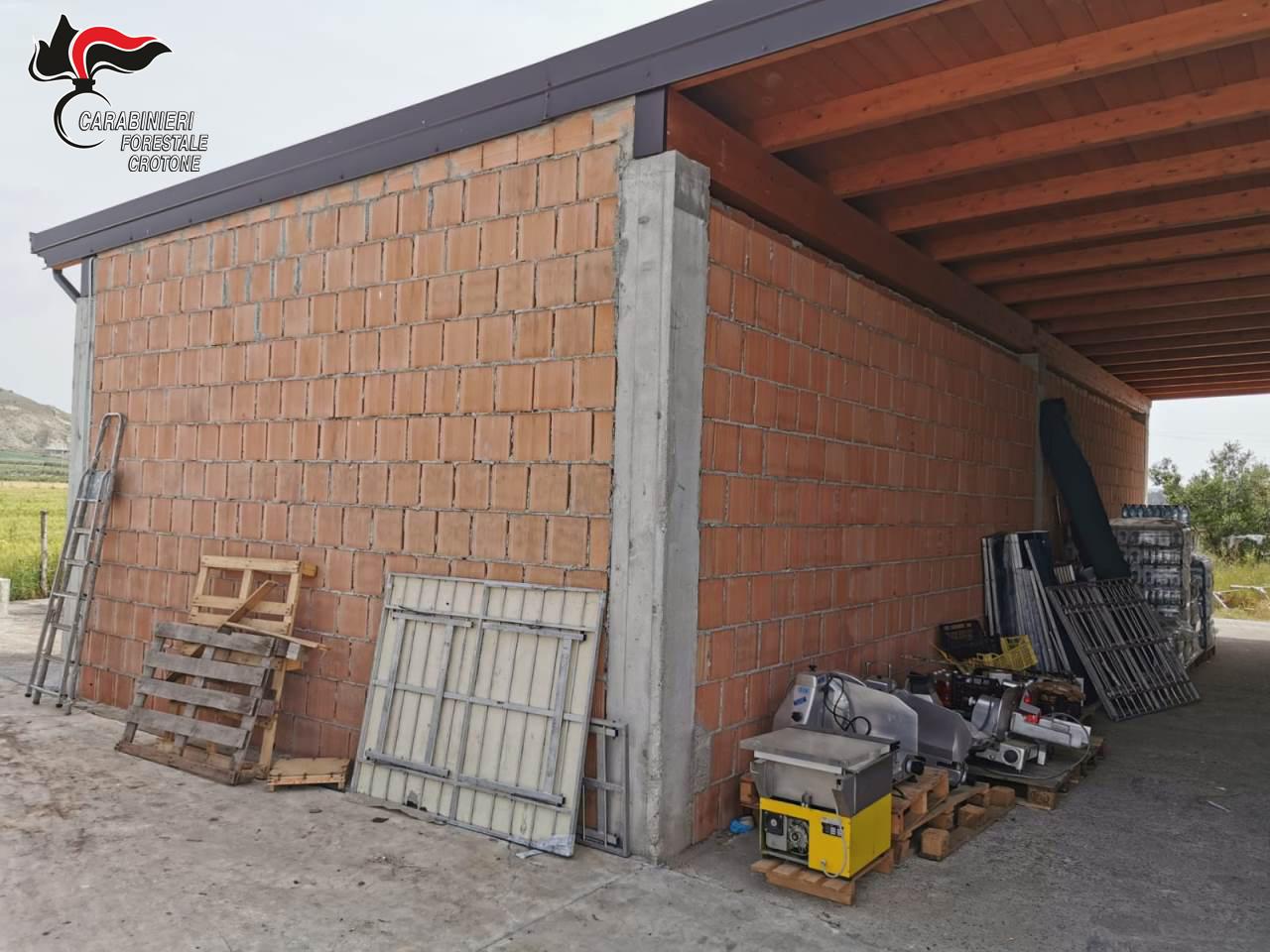 Controllo Covid: Sequestrate costruzione abusiva e derrate avariate
