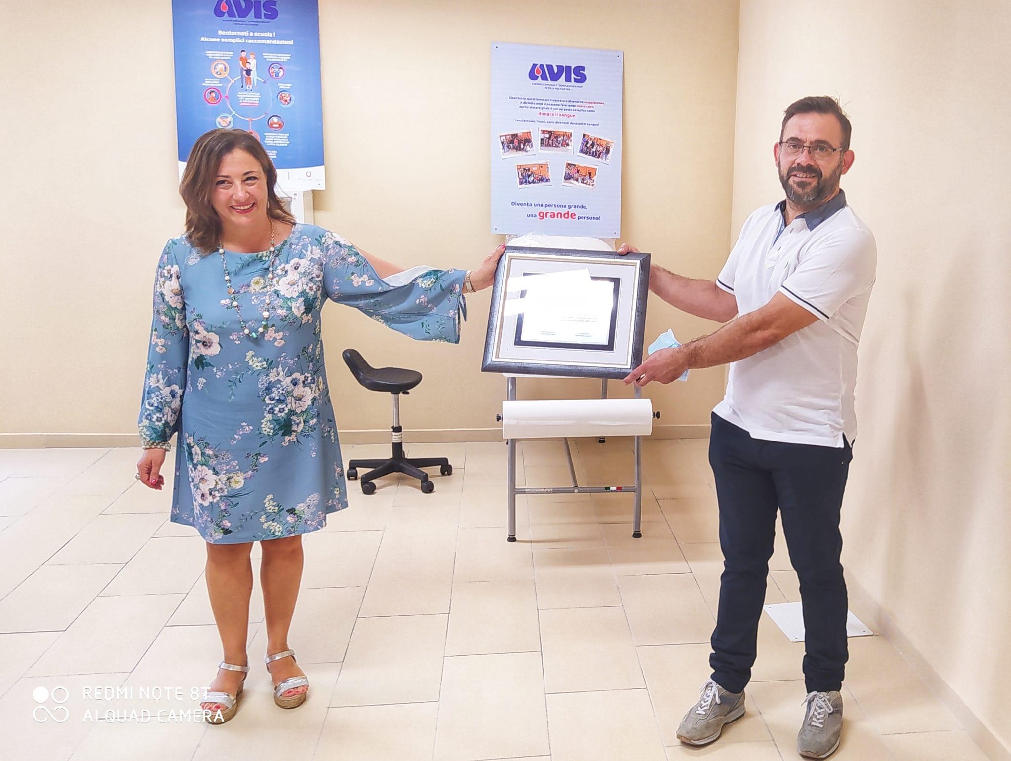 """La sezione AVIS di Petilia Policastro ha fornito arredi, strumenti, per la """"sala Covid"""" del Liceo Scientifico"""