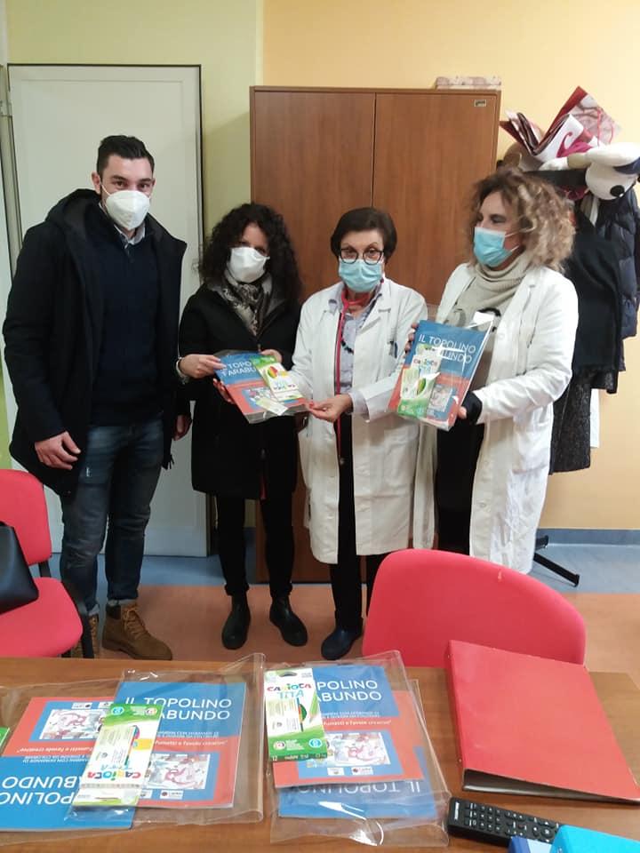 Al Reparto di Pediatria di Crotone arriva come omaggio un libro autoprodotto