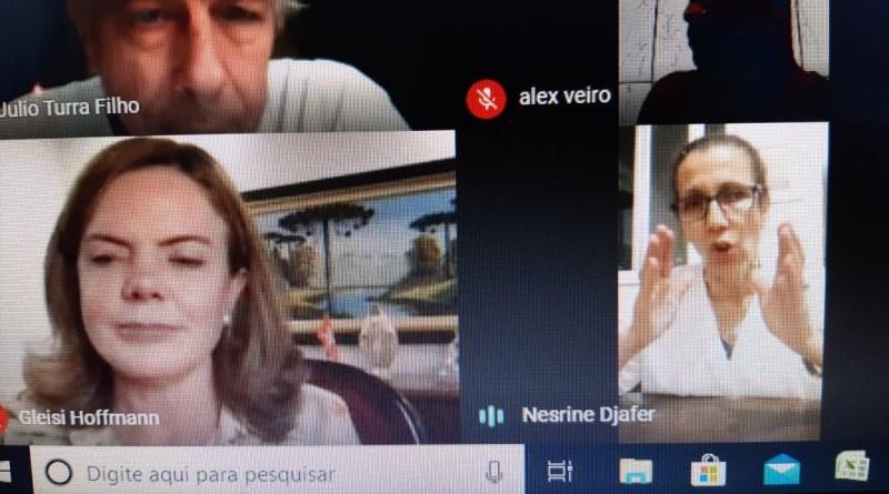Gleisi e Luísa na Plenária Nacional do DAP