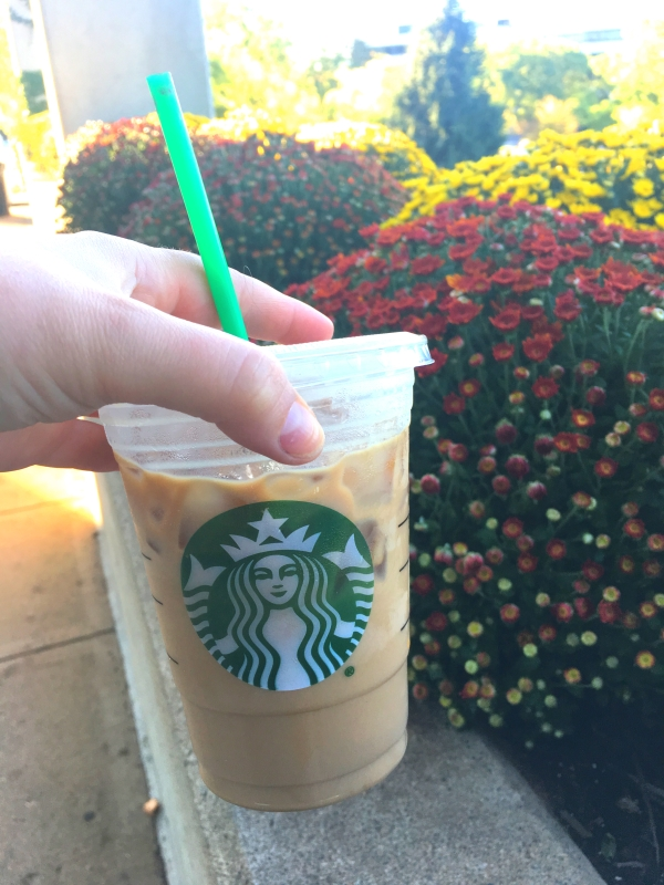 Starbucks Maple Pecan Iced Latte | Perfect drink for autumn | Like fall in a cup!