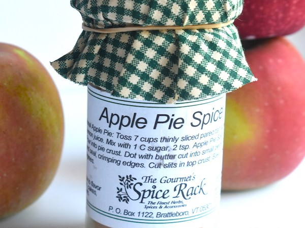 Apple Pie Spice | Such cute packaging. Perfect sprinkled in apples or in an apple pie!