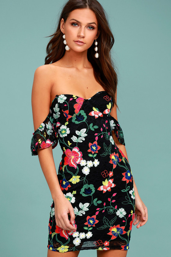 HOT TROPICS BLACK LACE EMBROIDERED OFF-THE-SHOULDER DRESS