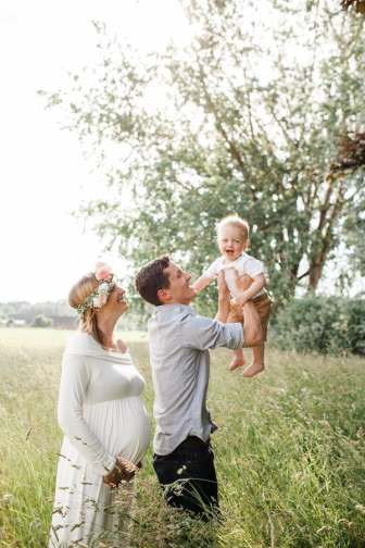 Whimsical Maternity Shoot